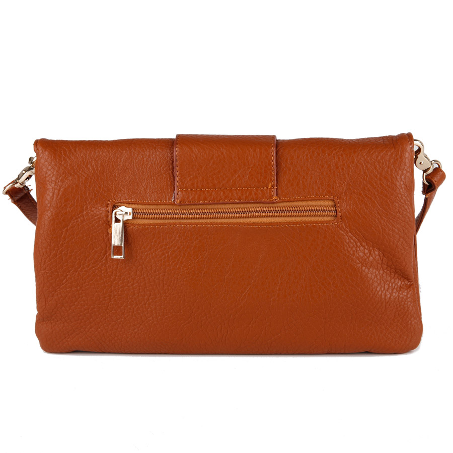 Big buckle clutch